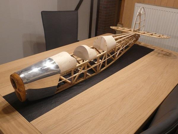 suite et fin fuselage sv4 de 1.68m
